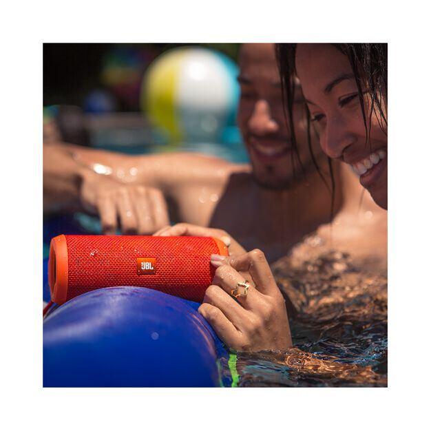 JBL Flip 3 - Yellow - Splashproof portable Bluetooth speaker with powerful sound and speakerphone technology - Detailshot 6