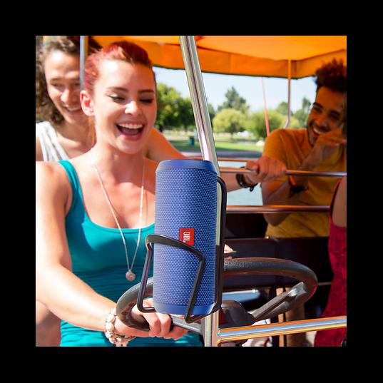 JBL Flip 3 - Yellow - Splashproof portable Bluetooth speaker with powerful sound and speakerphone technology - Detailshot 7
